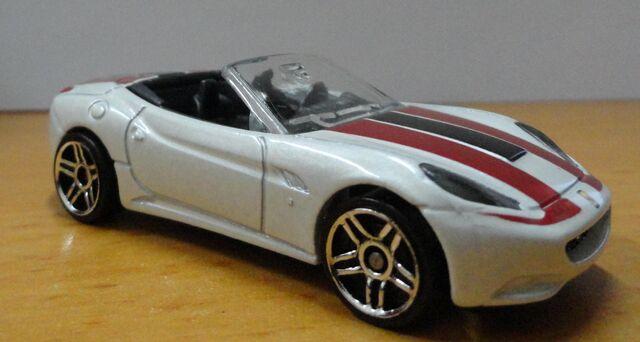 File:Ferrari 2012.JPG