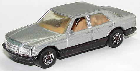 File:Mercedes 380 GryBW.JPG