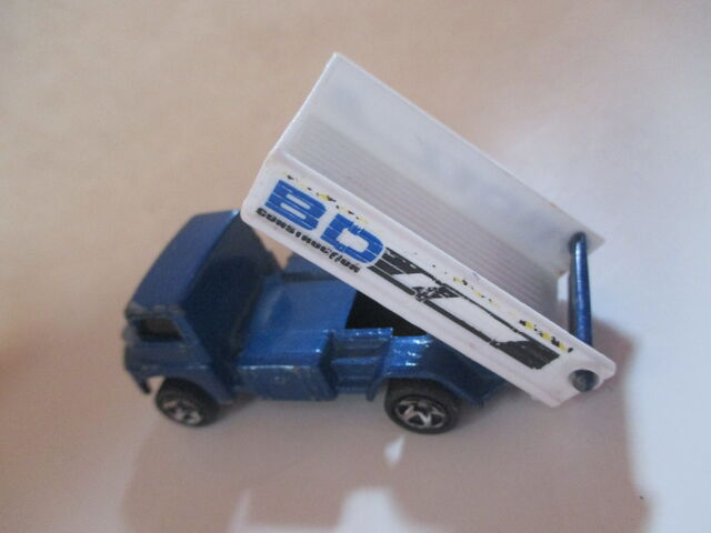 File:Blue Tipping Lorry.JPG