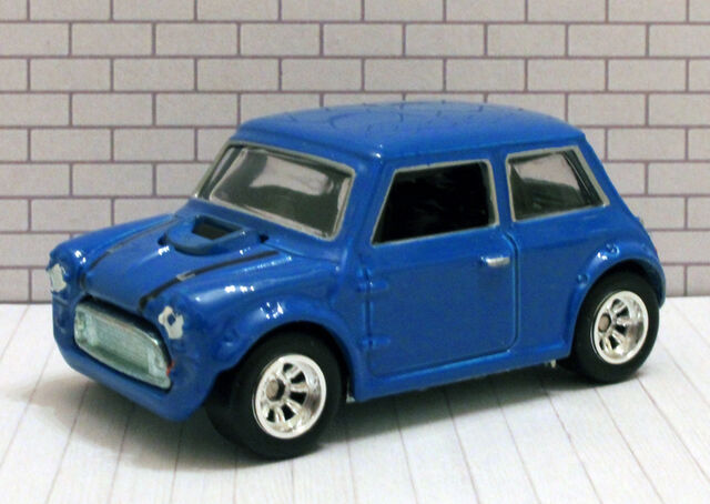 File:Mini Cooper - Retro Entertainment Blue.jpg