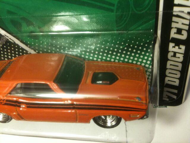File:2011 Hot Wheels Garage MOPAR Hal Jordan 1971 Dodge Challenger Green Lantern HOOD DETAIL 426 HEMI.jpg