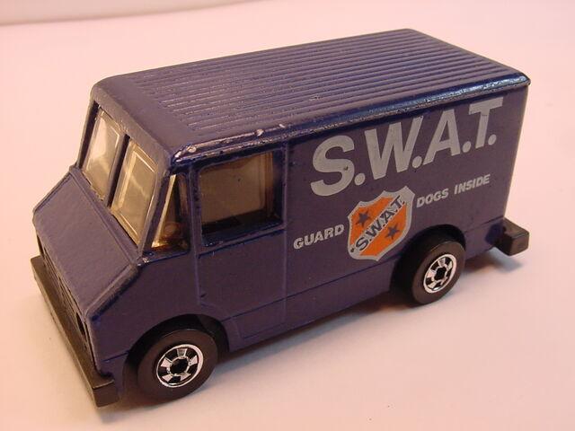 File:1980 SWAT van scene machine.jpg