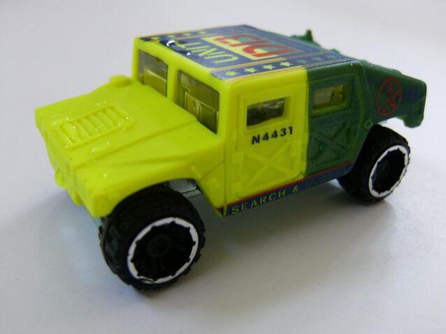 File:HW Humvee CS Yellow Green Unit D13.jpg