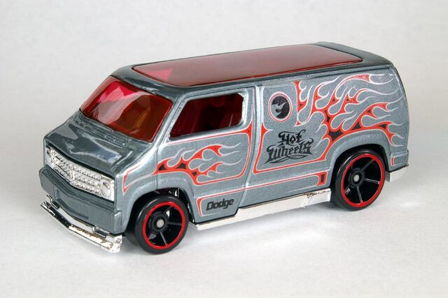 File:Custom '77 Dodge Van - 6461cf.jpg