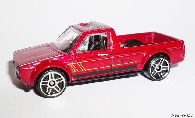 File:HW-2016-113-Volkswagen Caddy-Showroom.jpg