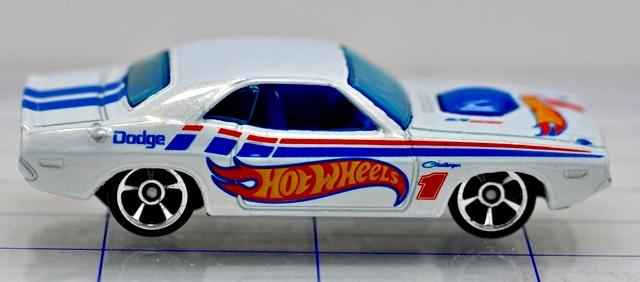 File:70-dodge-hemi challenger-white-hw racing-hw.JPG