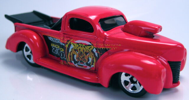File:'40 ford robo zoo red malaysia base.JPG