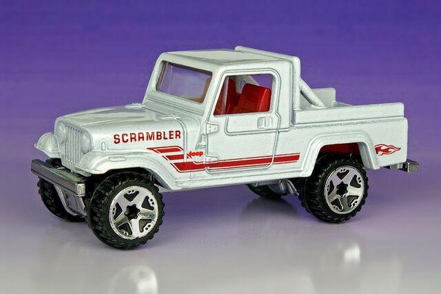 File:Jeep Scrambler Heat Fleet - 5424df.jpg