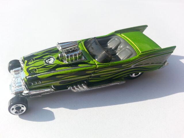 File:'57 Roadster side.jpg