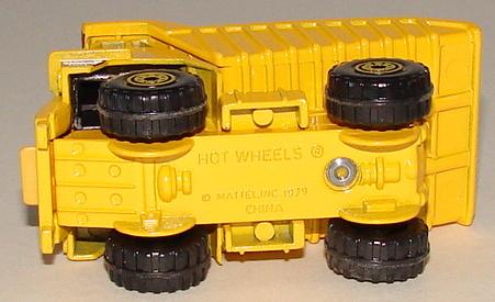 File:CAT Dump TruckMBHWBase.JPG