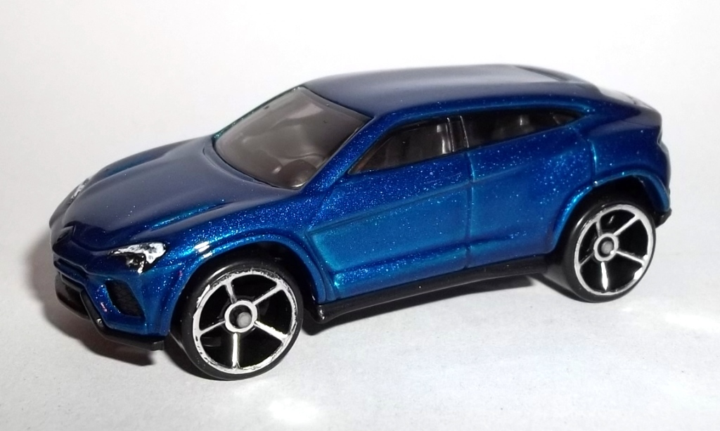 versions - Lamborghini Urus Blue