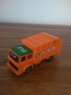 Refuse Truck Corgi1