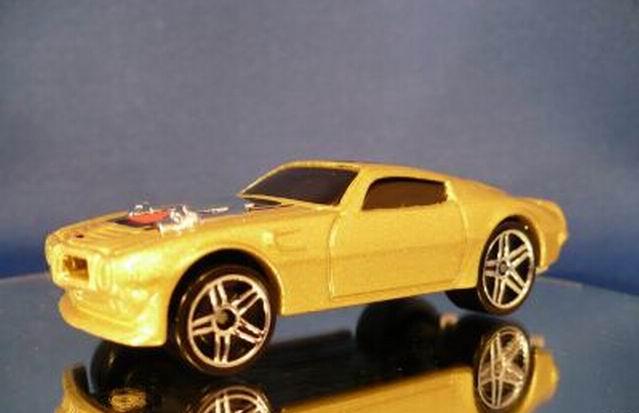 File:70 Pontiac Firebird Gold.jpg