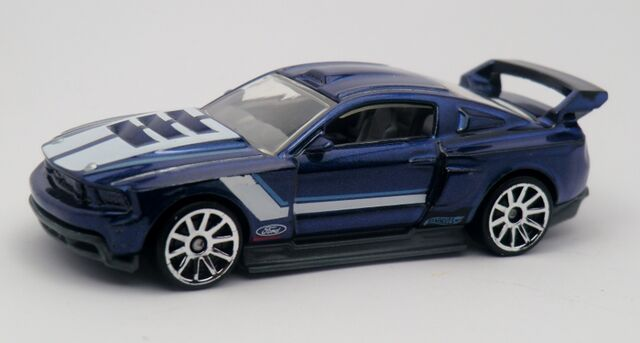 File:Custom '12 Ford Mustang-2013 230.jpg