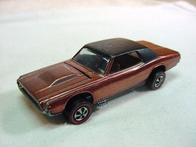 File:1968 TBIRD Copper-Lt brown US dark Int.jpg