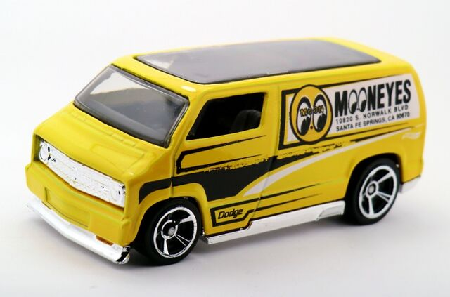 File:Custom '77 Dodge Van-2015 020.jpg
