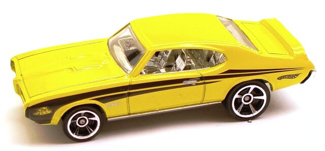 File:69PontiacGTO Muscle Yellow.JPG