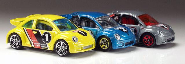 File:Beetles3LoRF.jpg