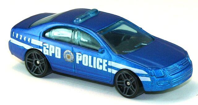 File:2011-FordFusionPatrolCar-Blue.jpg