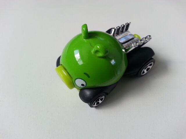 File:Minion Pig side.jpg