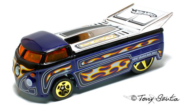 File:2011 new years drag truck.png