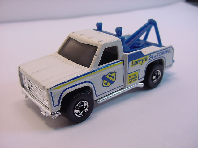 File:1977 Ramblin' wrecker BW smoked glass Fcolor.jpg