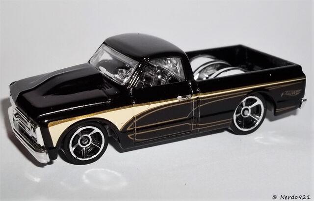 File:HW-2016-143-'67 Chevy C10-HotTrucks.jpg