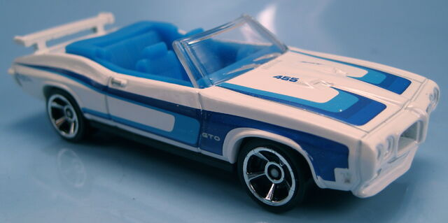 File:70 Pontiac GTO convertible 2012 Walmart Mystery Models.JPG