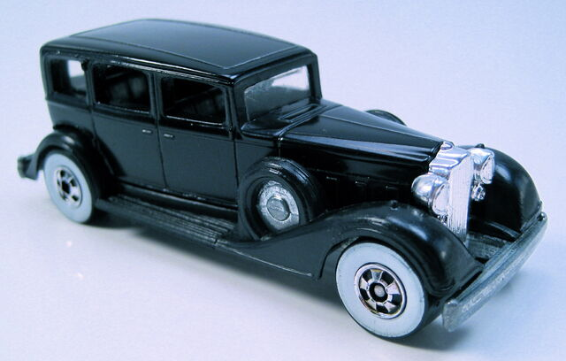File:Classic Packard black, WW, HK base.JPG