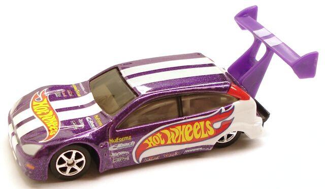 File:FordFocusDrag Preferred Purple.JPG