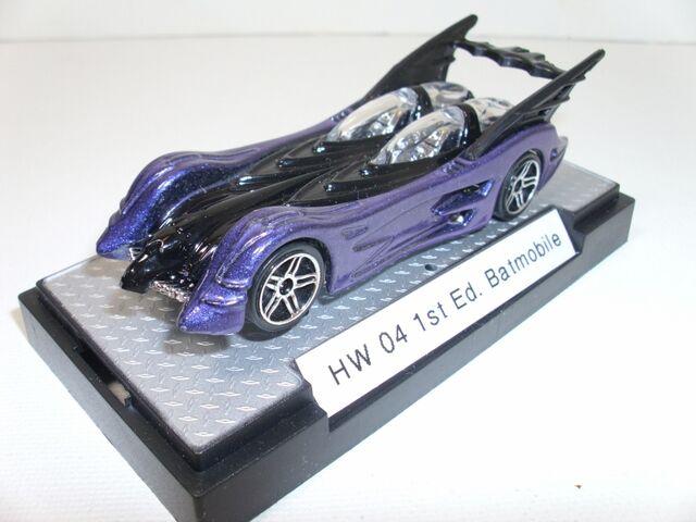 File:04 1st Ed Batmobile Purple & Black (800x600).jpg