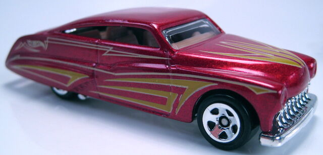 File:Purple Passion red metallic 2013 HW Showroom.JPG