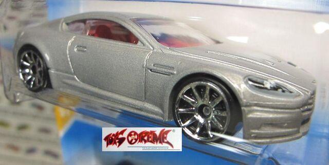 File:'10 Aston Martin DBS.jpg