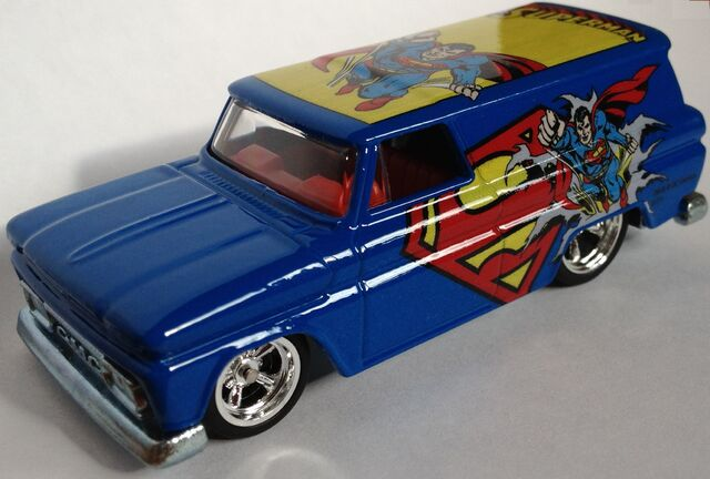File:SupermanCLOSE.jpg