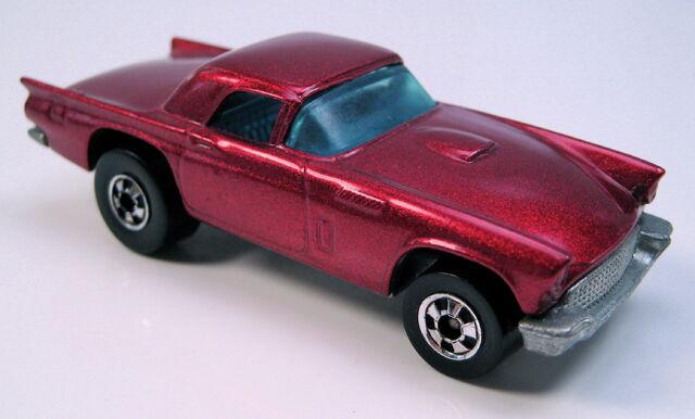 File:57 tbird metallic red BW hk base.JPG