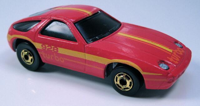 File:Porsche928redgoldhowheels.JPG