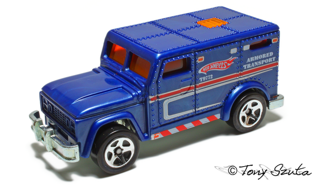 File:Armored truck 2011.png