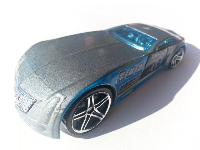 File:Cadillac V-16 Concept (Hardnoze) 1 thumbnail.jpg