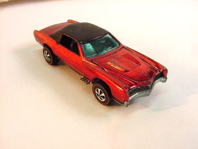 File:1968 Eldorado HK Red Dark Int.jpg
