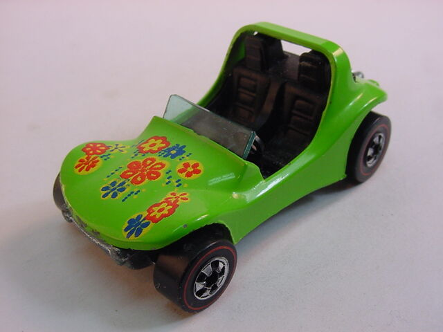 File:75 dune daddy lt yellow tampo lt green flying color.jpg