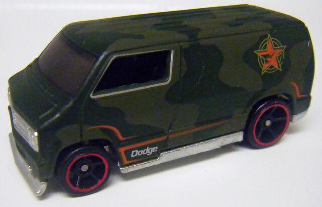 File:77 Dodge Van - Colorshifter Cold.JPG