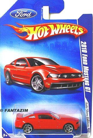 File:2008 L.A. Auto Show Giveaway.jpg