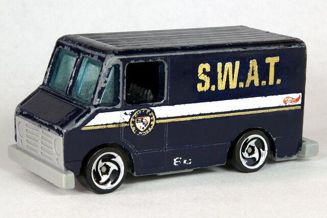 File:S.W.A.T. Truck - 6409df.jpg