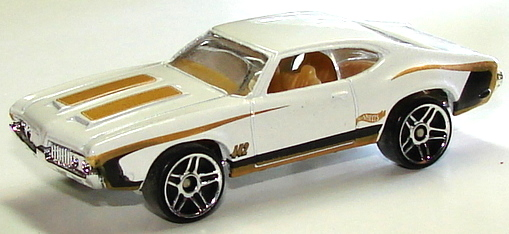 File:Olds 442 W-30 Wht.JPG