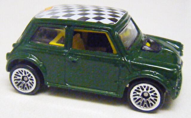 File:Mini - Green Open Vamp LW.jpg
