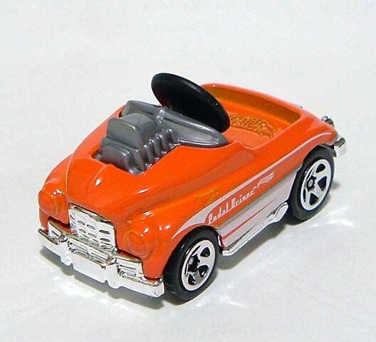 File:HW Pedal-Driver Orange DSCF7375.jpg