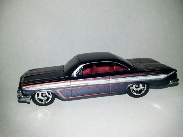 File:HW-Cool Classics--27-'61 Impala.jpg