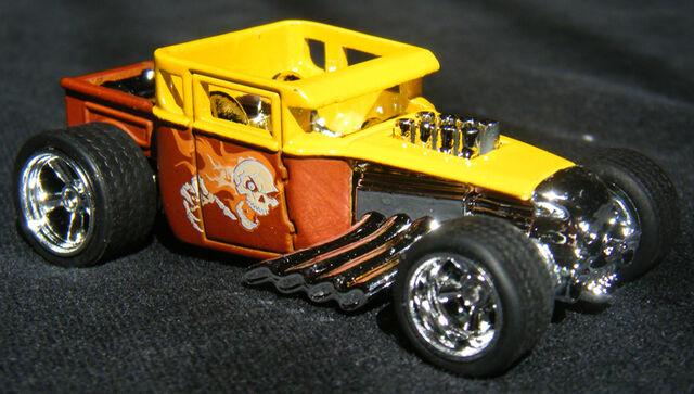 File:Bone Shaker - Larrys Garage BroYlw.JPG