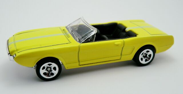 File:'63 Ford Mustang II Concept-2013 3-Pack.jpg