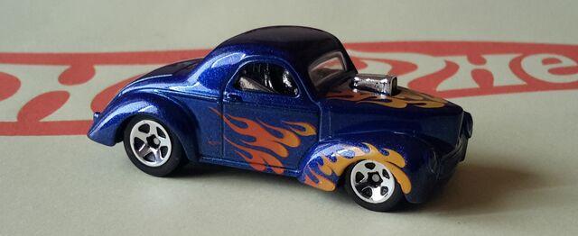 File:1941 WILLYS Americar Custom Coupe.jpg